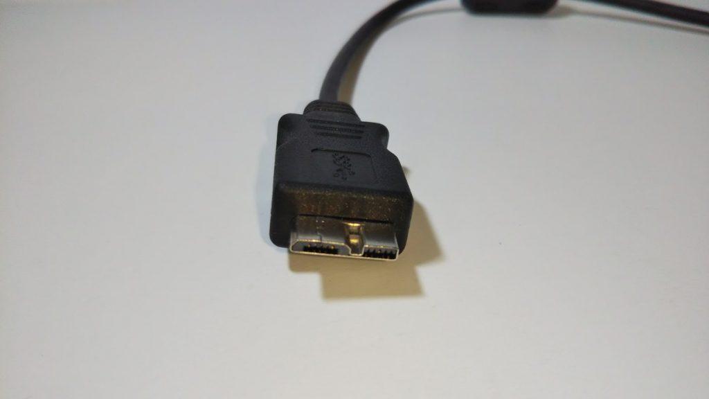 ELECOM SSD「ESD-ED0120GBK」USB本体接続側