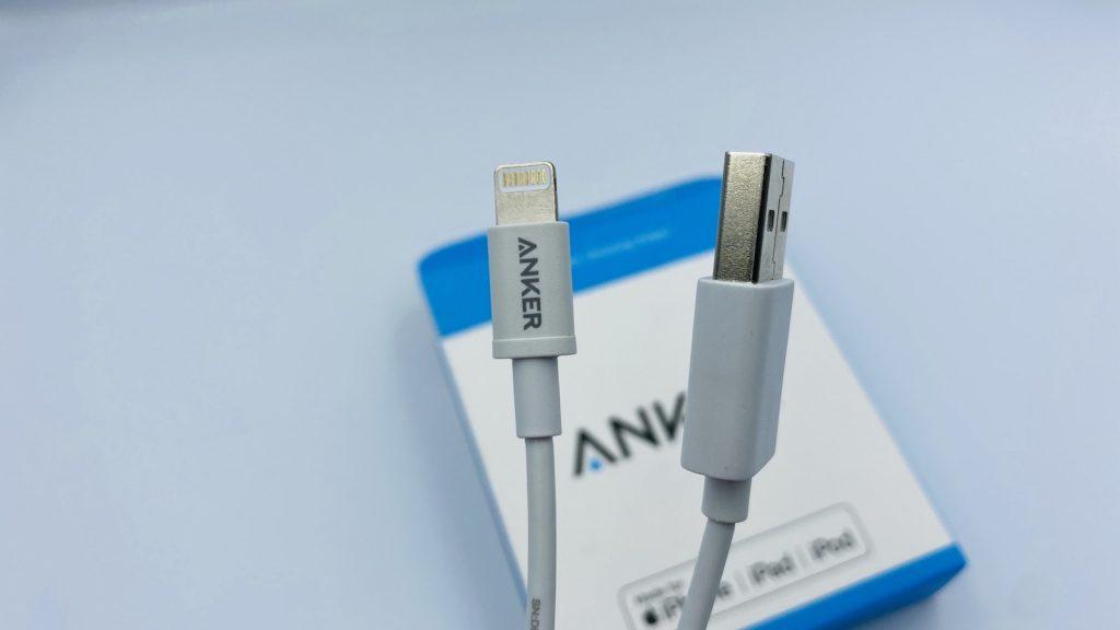 Anker プレミアムライトニング ケーブルコンパクト端子 (ホワイト 0.9m) ケーブル先端